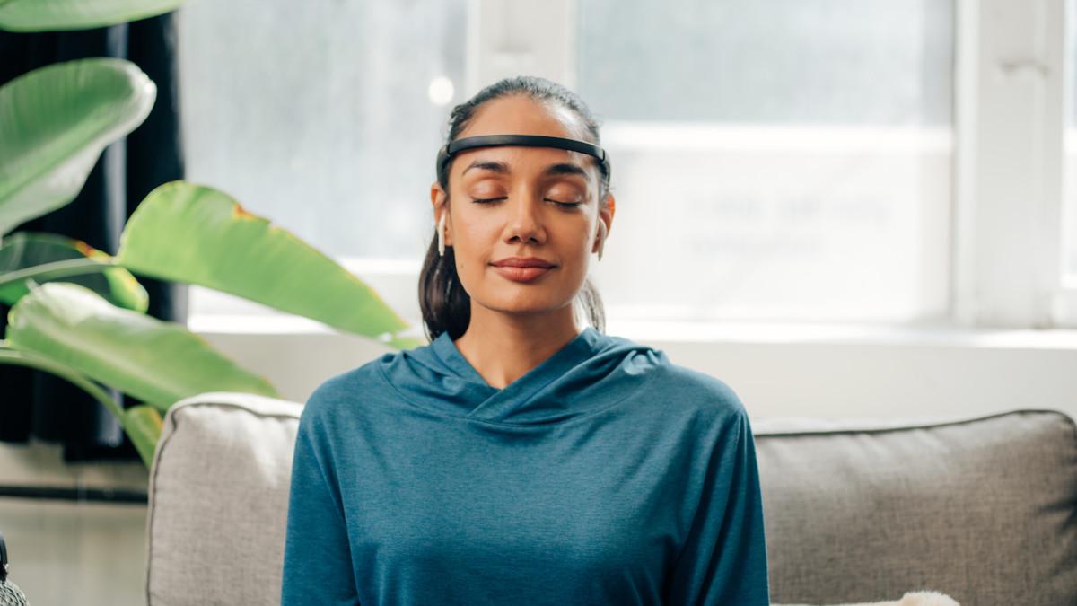 Muse 2 Meditation Headband monitors your breathing technique