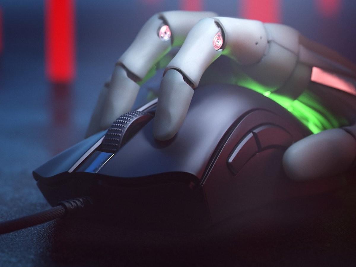 Razer DeathAdder V2 Mini Ergonomic Gaming Mouse includes antislip grip tape