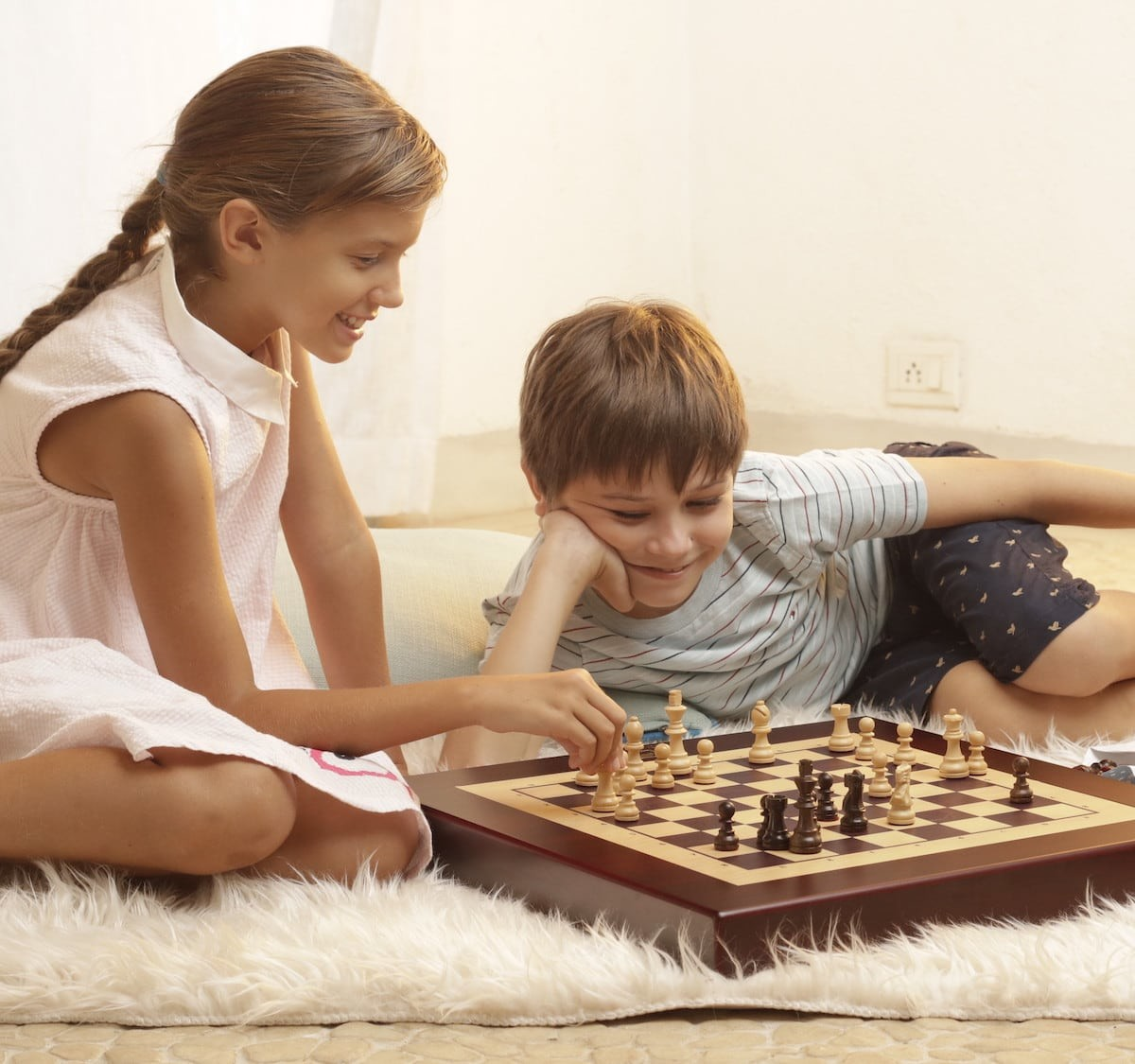 Square Off Kingdom Set wooden chessboard uses artificial intelligence for smarter play