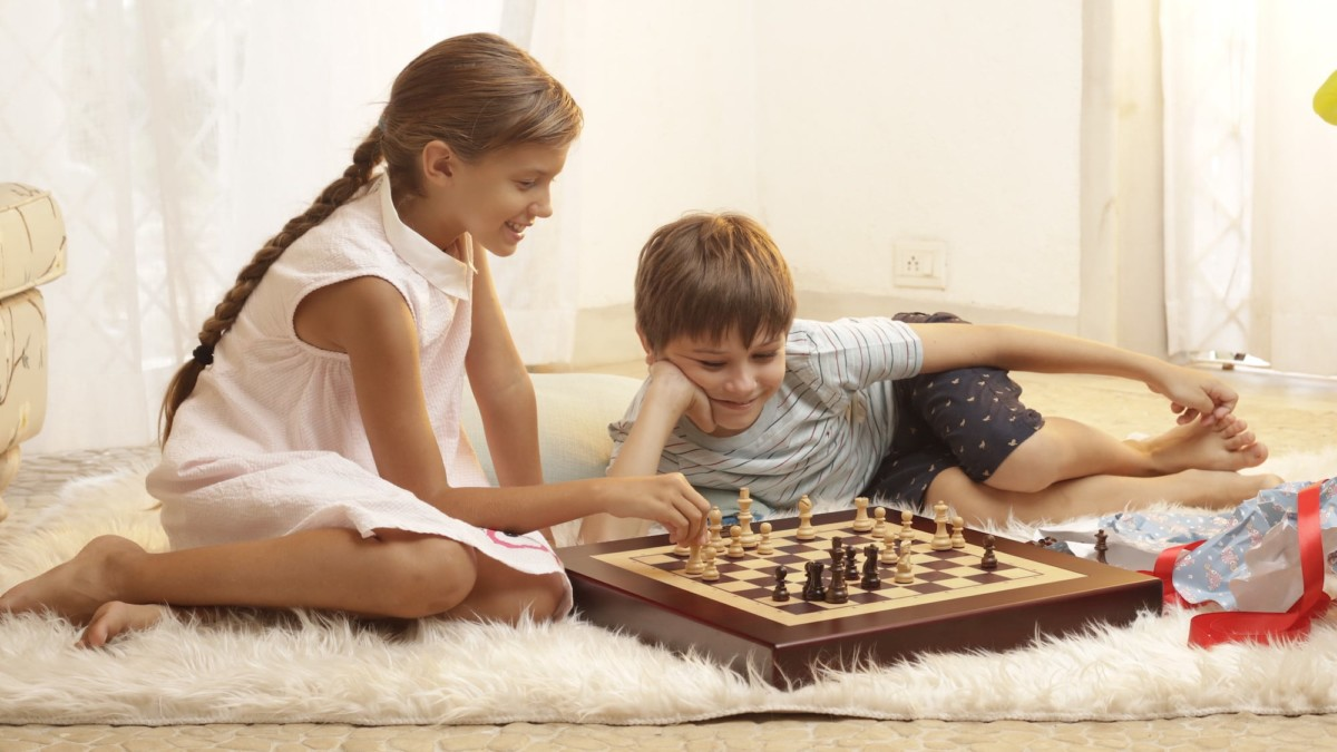 Square Off Kingdom Set Wooden Chess Board uses artificial intelligence for smarter play