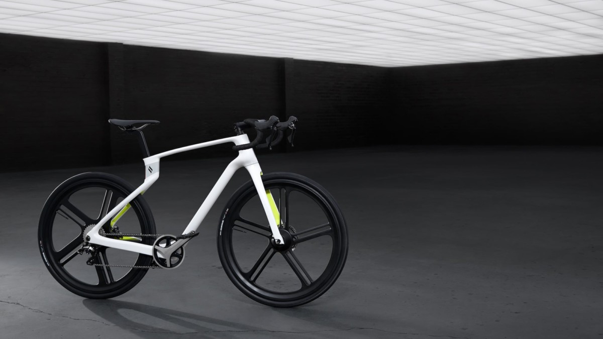 Superstrata Unibody Carbon Fiber Bicycle is both super strong and ultralight