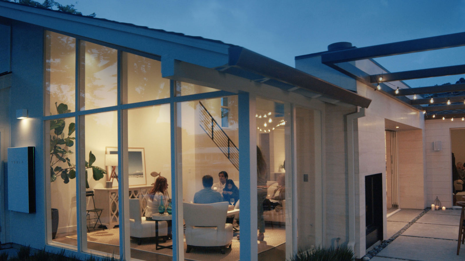Tesla Solar Panels Rooftop Power Supply lets you take control of your energy bills
