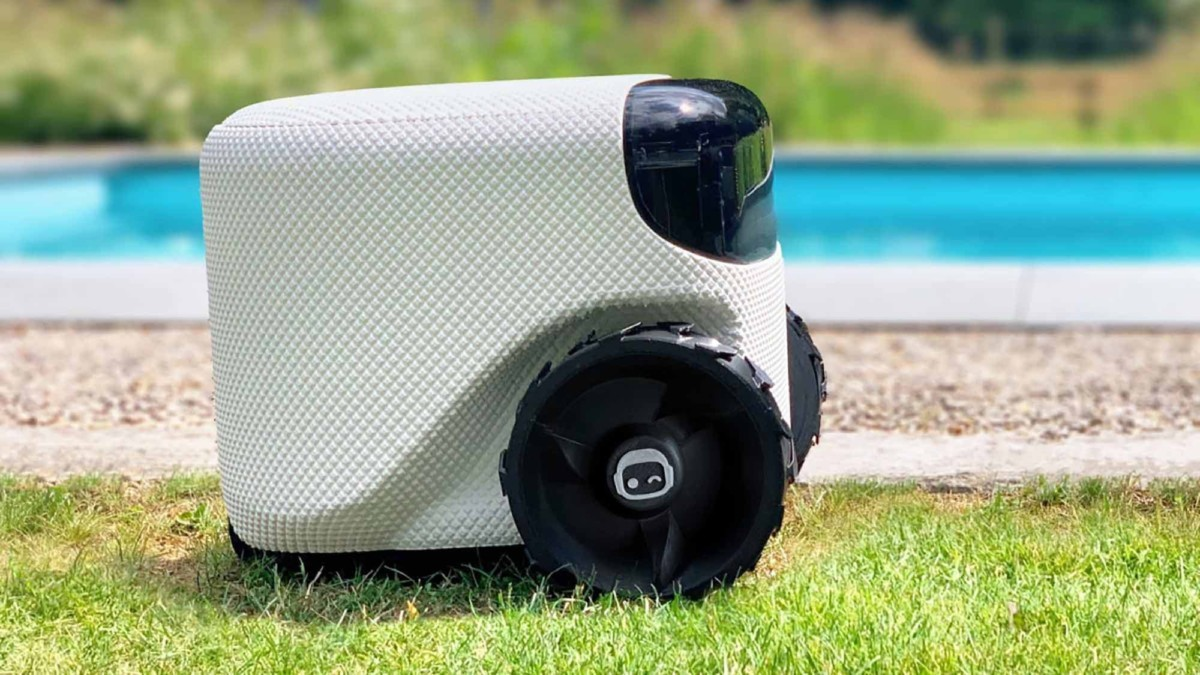 This cute lawn robot is powered by AI