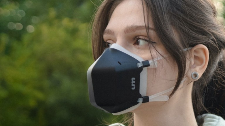 This UV-C air-purifying mask sanitizes the air you inhale and exhale