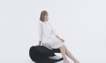 YOY Foldable Rug Chair
