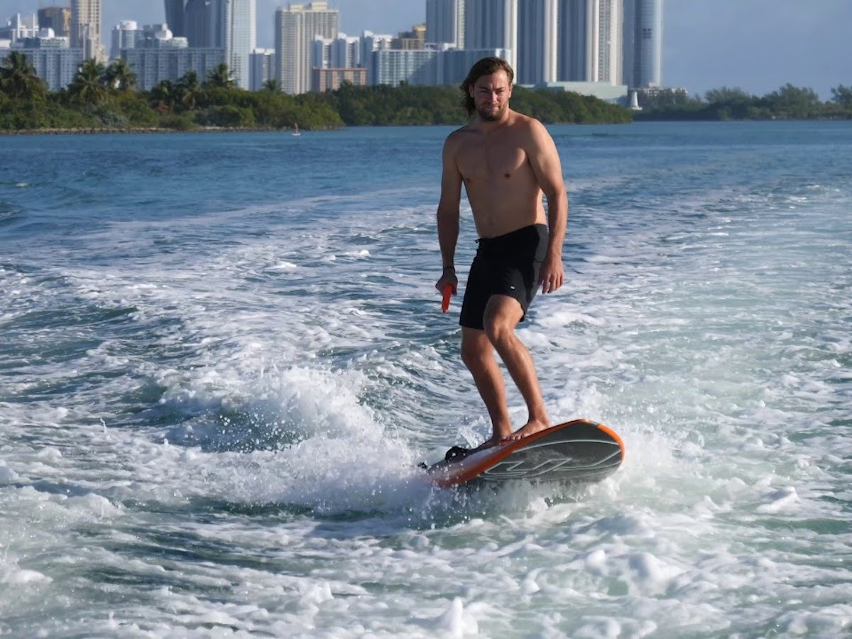 Yujet Surfer Jet-Powered Surfboard uses an engine to travel up to 16 miles