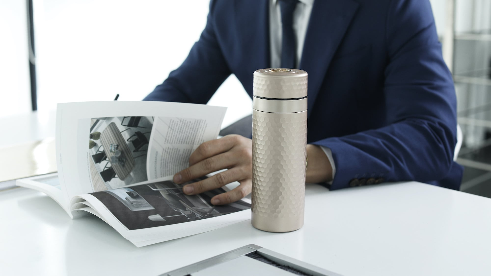 Acera Harmony Collection advanced travel mugs have stainless steel & ceramic layers