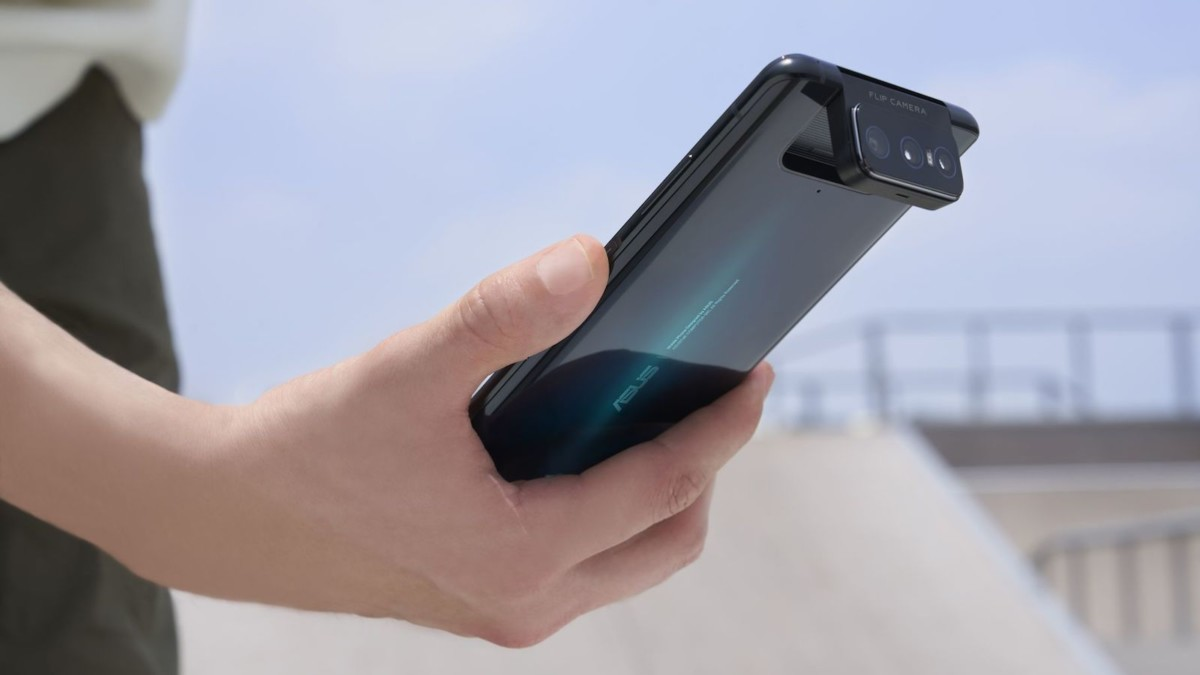 ASUS ZenFone 7 Series flipping-camera phones have a third lens on the front