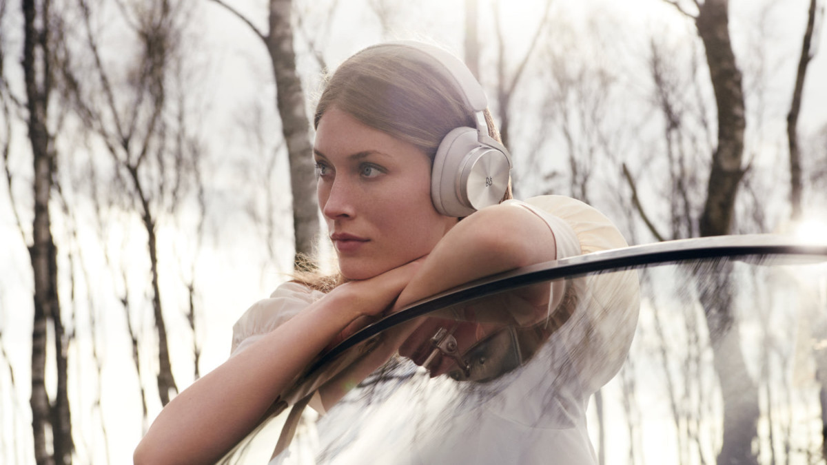 Bang & Olufsen Beoplay H95 leather headphones feature noise cancellation