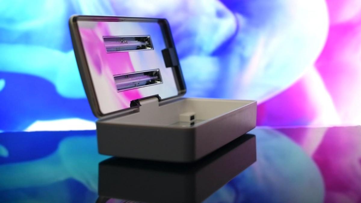 Blue Box UV sanitizer kills 99.99% of harmful bacteria and viruses