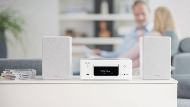 This Denon CEOL N11DAB plays from CDs and streaming services