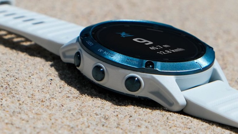 Garmin fēnix 6 Solar Series fitness watch uses the sun to charge