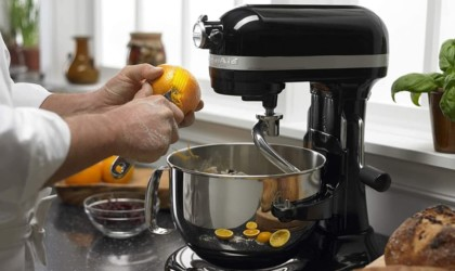 KitchenAid Pro 600 Series 6-Quart Bowl Lift Stand Mixer