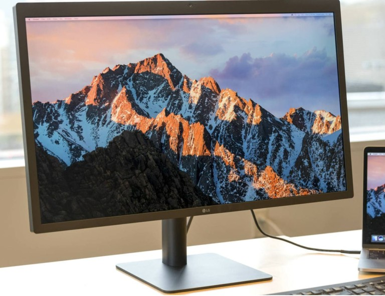 LG UltraFine 5K Display 27″ Monitor