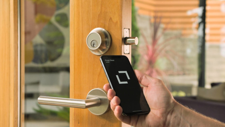 Level Touch keyless door lock lets you enter with a fingerprint
