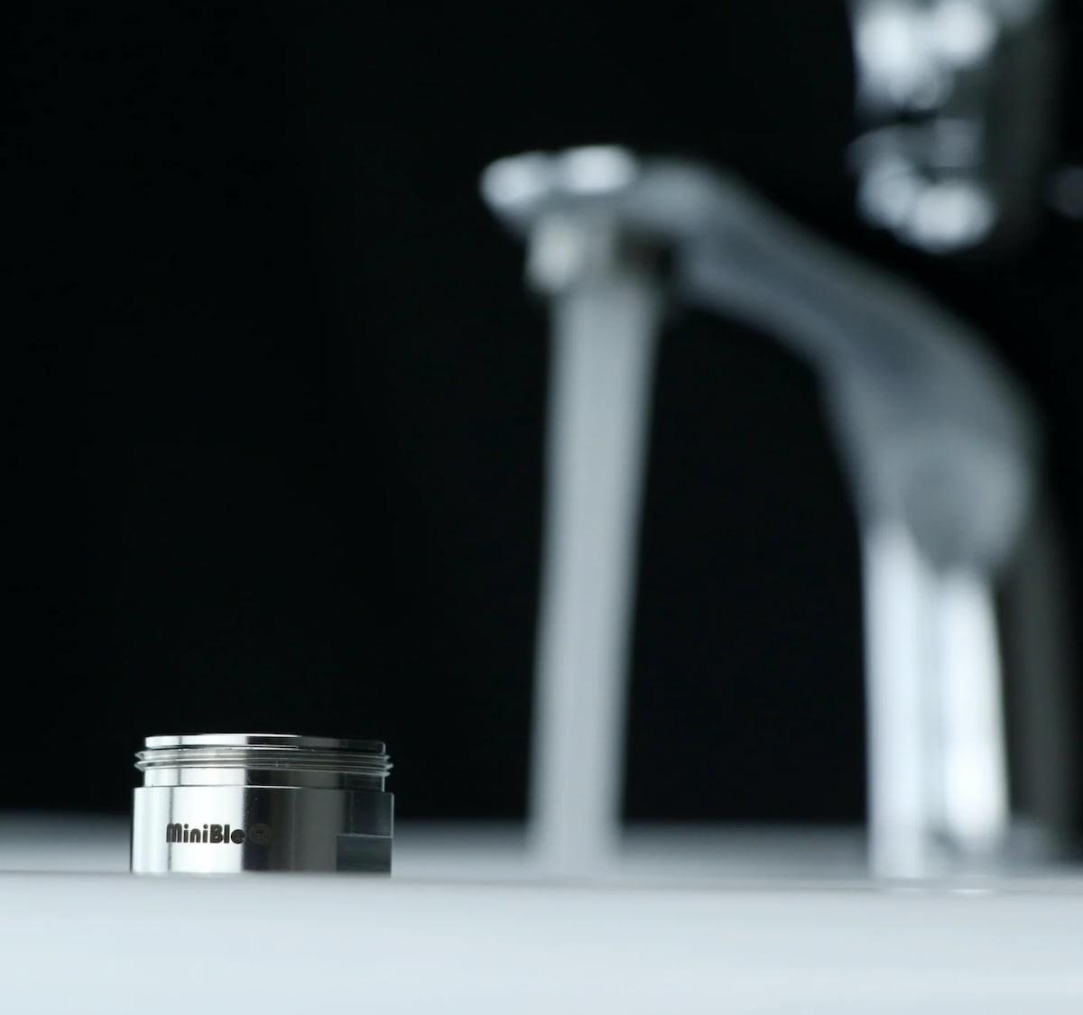 MiniBle Q tiny microbubble aerator creates up to 600 million microbubbles