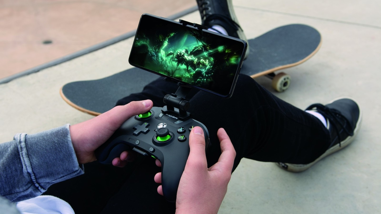 This PowerA gaming remote lets you play games on your phone