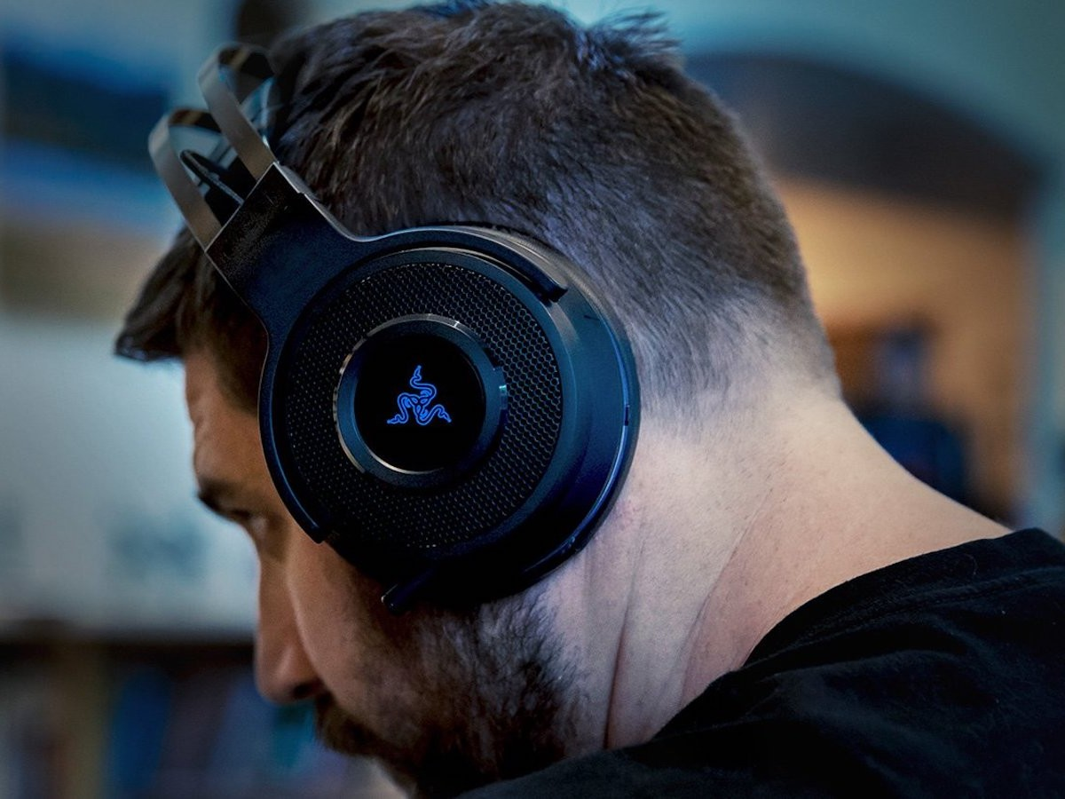 Razer Thresher 7.1 Ultimate PS4 Headset Dolby headphones ensure a lag-free connection