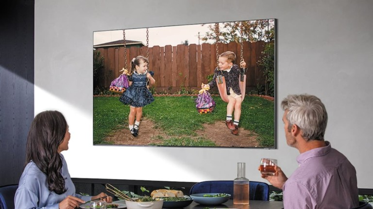 "Samsung Q800T 8K TV ""aria-descriptionby ="" gfl-post-gallery-4-431948 ""/> Samsung Q800T 8K TV with a pair of food <img loading="
