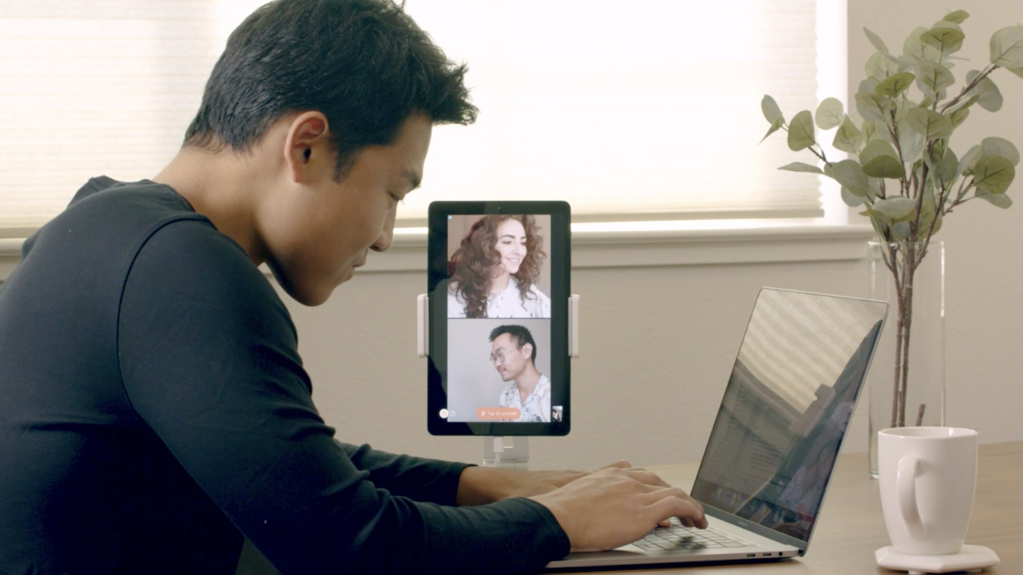 Sidekick always-on video screen keeps remote teams connected