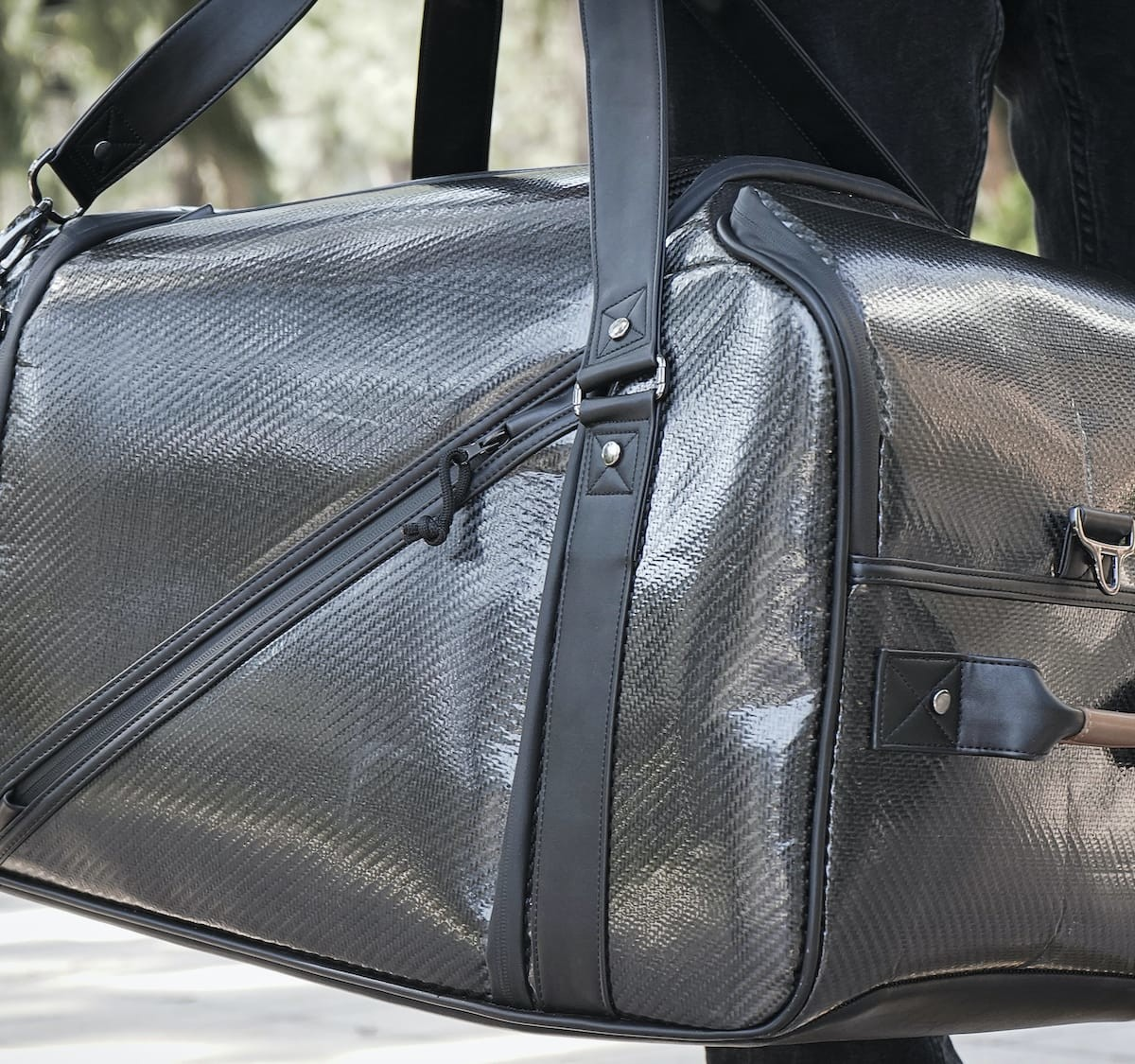 Stealth Smart Bags AI baggage use camera algorithms to warn you of danger