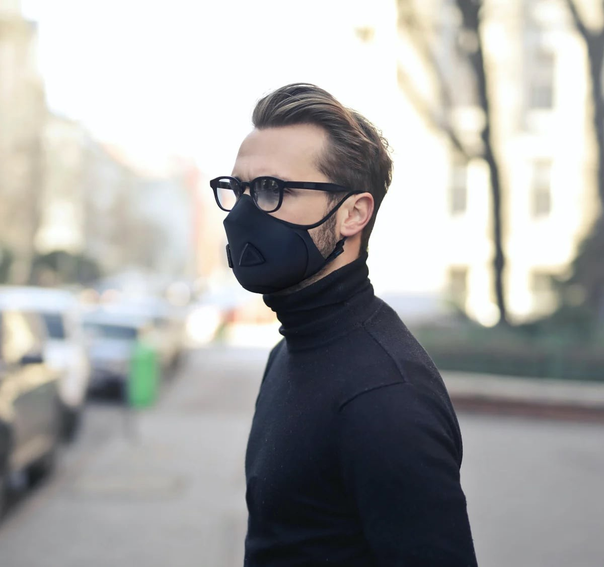 The Air Mask premium air filtration system consists of eco-friendly fabrics