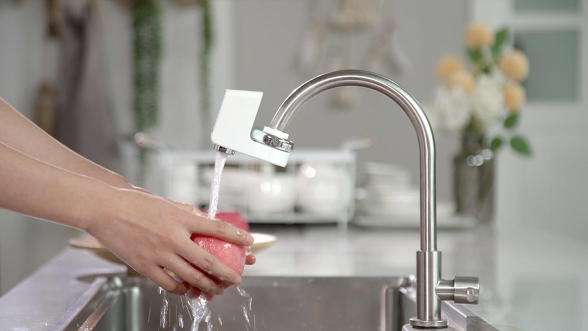 iFlow touchless faucet is a germ-free solution