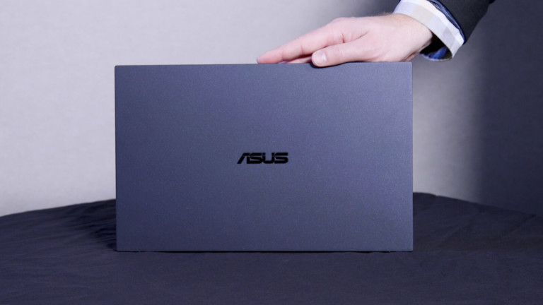 ASUS ExpertBook B9 lightweight laptop has a 24-hour battery life
