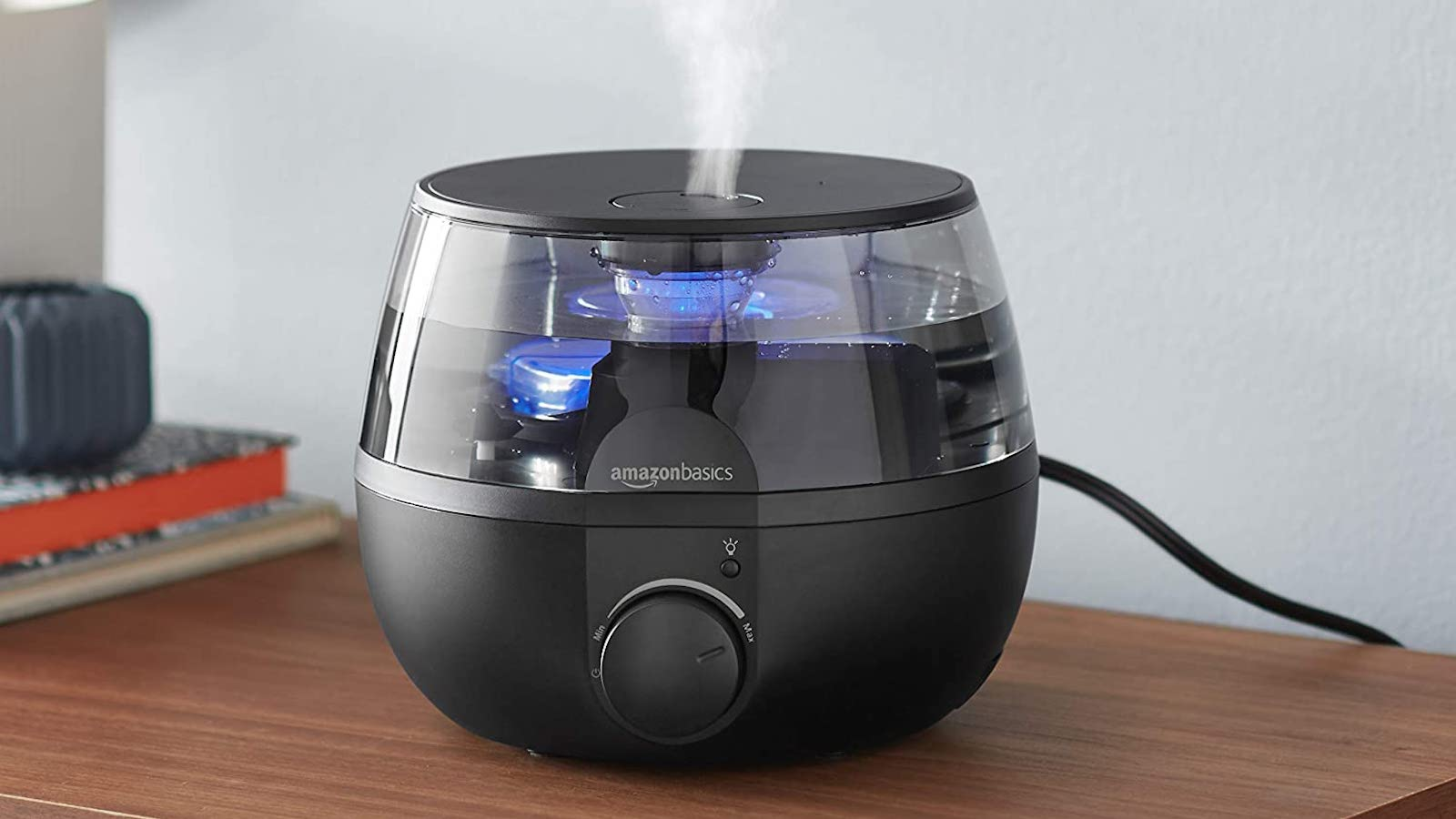 AmazonBasics Humidifier aroma diffuser with a light combats dry air