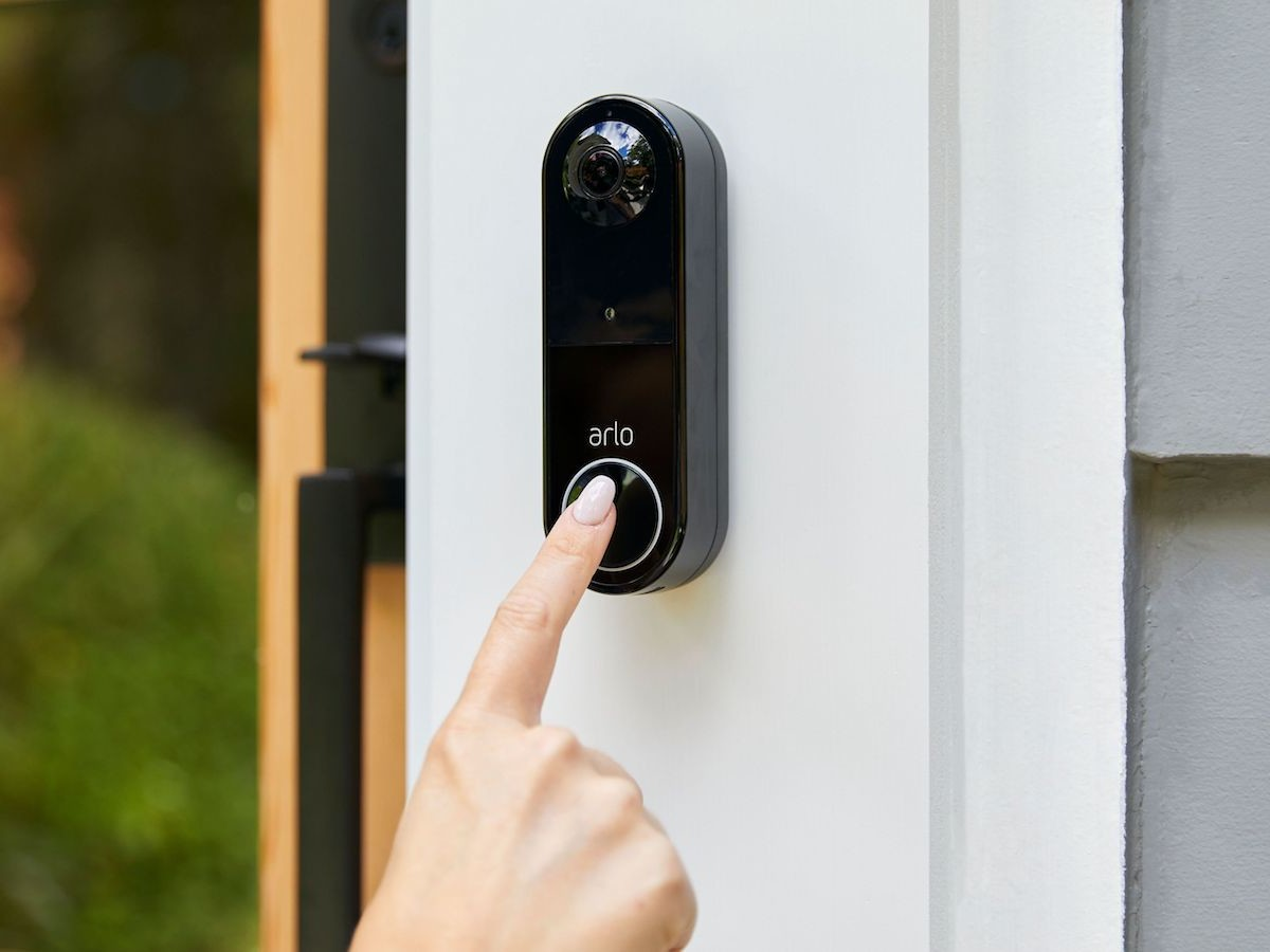 Arlo Essential wire-free smart home security video doorbell has a 180-degree angle