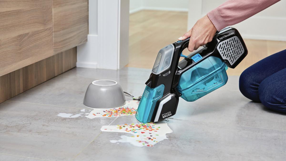 Black+Decker Spillbuster spill and spot cleaner picks up wet spillages