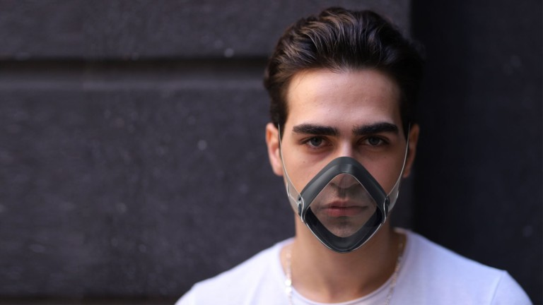 BlueBreath ventilating face mask is an AI-powered smart mask