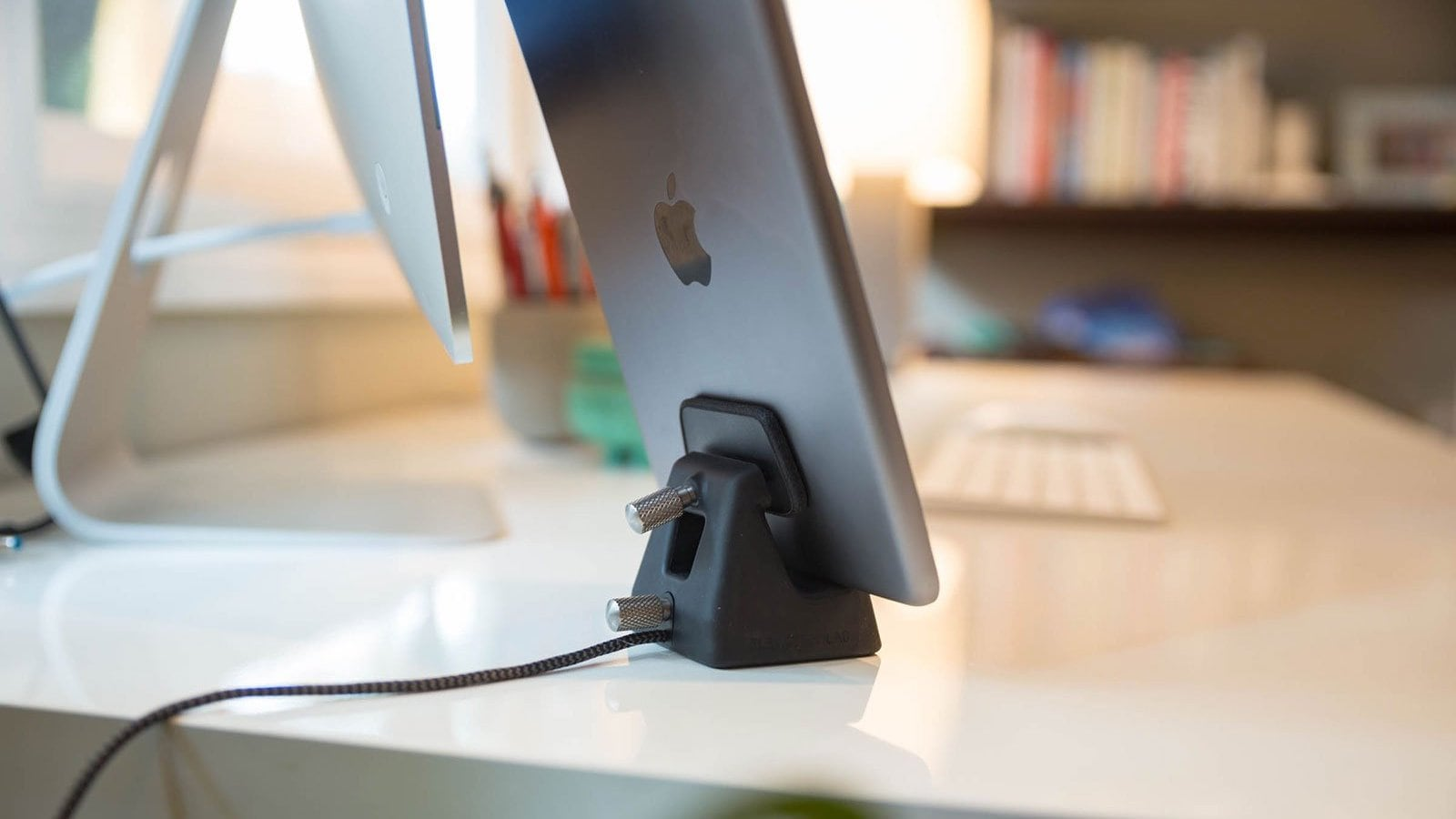 ElevationLab ElevationDock 4 iPhone dock is Apple MFi-certified and works with one hand