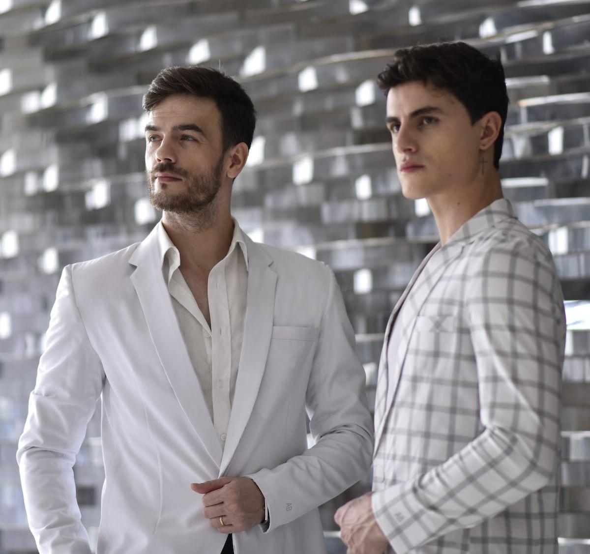 GOTTLICH MAXIM AIR luxury blazer has 18 different features