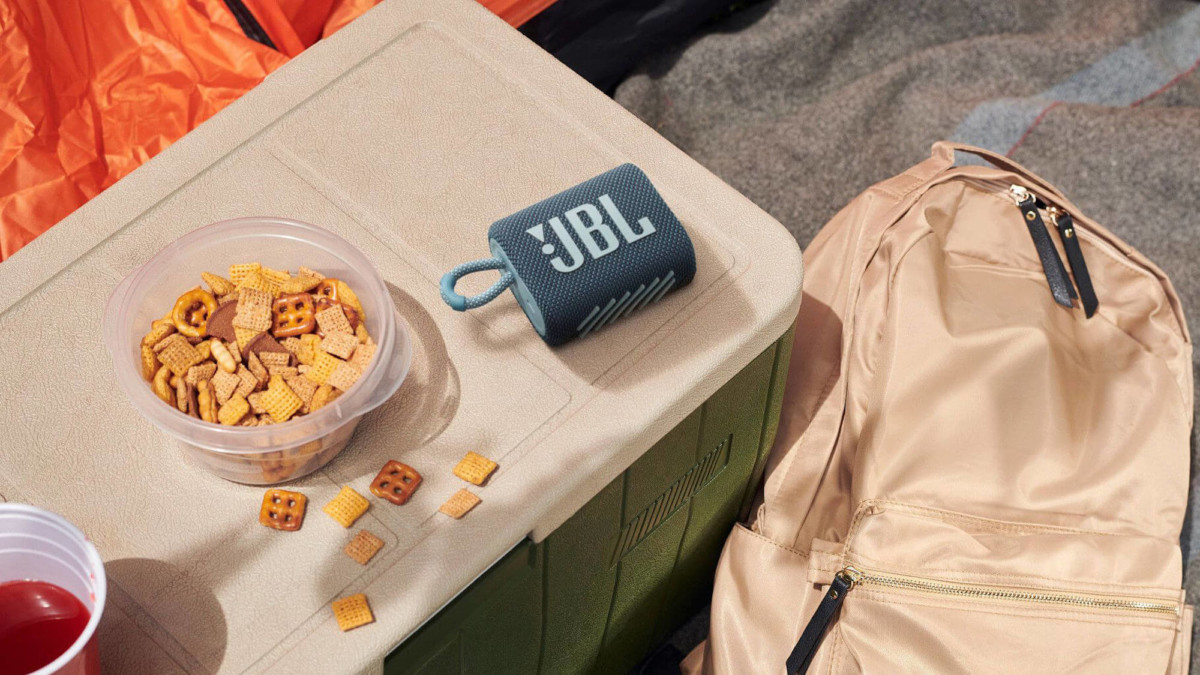 JBL Go 3 compact speaker is dustproof and waterproof