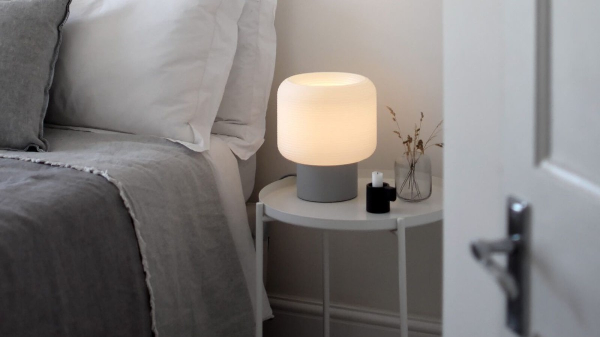 Maskor Table Light relaxing lamp provides a calm bedtime setting