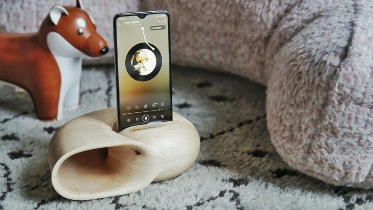 Nautilus Series & Minke Series unique smartphone speakers use physical amplification