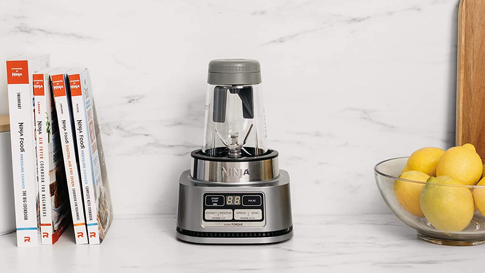 This smoothie maker by Ninja features smartTORQUE for tough foods