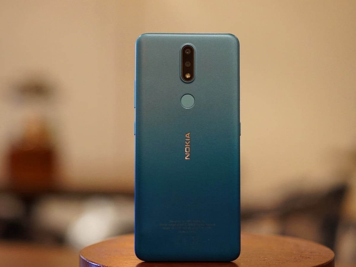 Nokia 2.4 mobile phone offers night mode for better photos