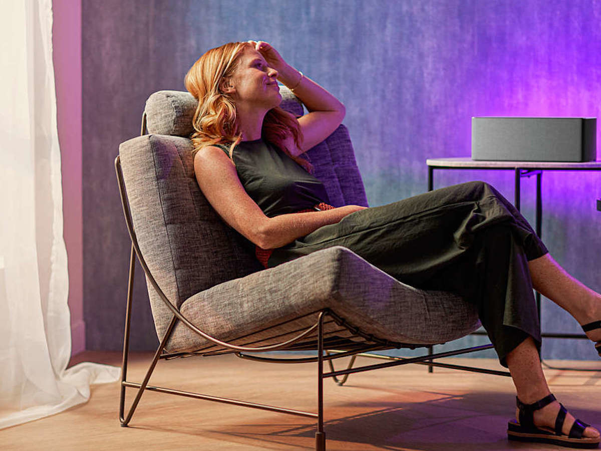 Philips W6505 wireless speaker delivers big sound for any room