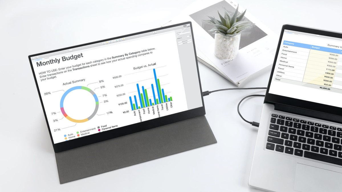 PhonePad portable monitor turns any smartphone into a tablet