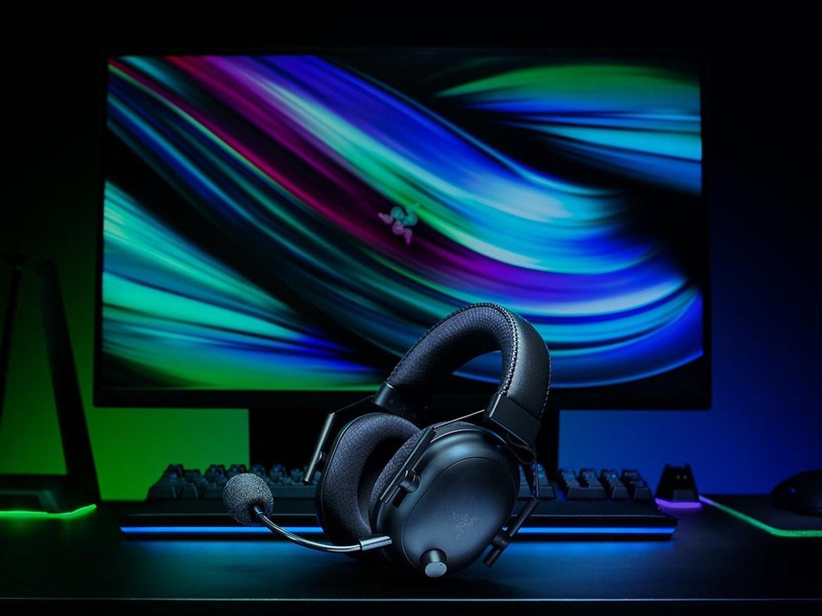 Razer BlackShark V2 Pro wireless eSports headset features passive noise cancelation