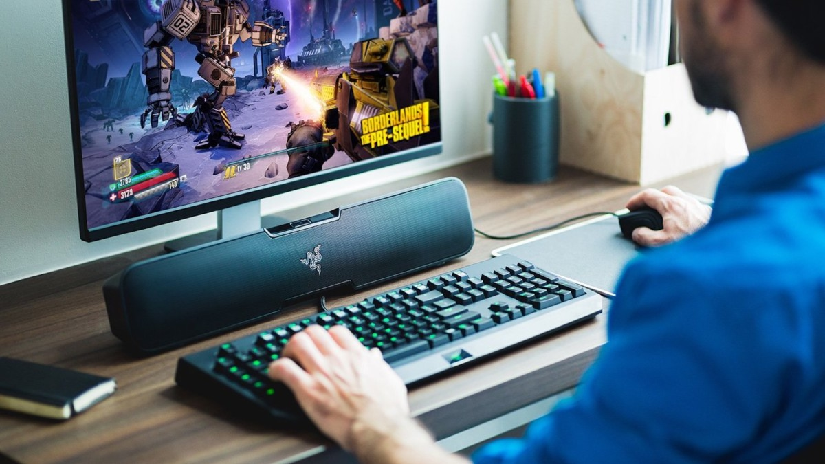 Razer Leviathan desktop Bluetooth soundbar gives you realistic sound