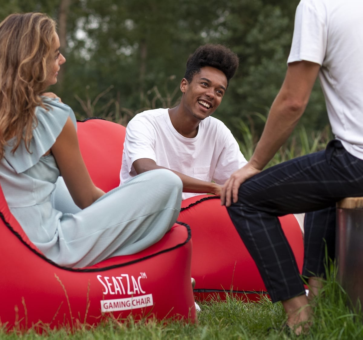SEATZAC™️ incredible self-inflatable chair even has a built-in power bank