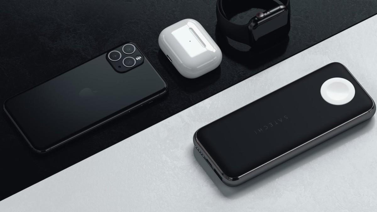 Satechi Quatro Wireless Power Bank has a powerful 10,000 mAh battery