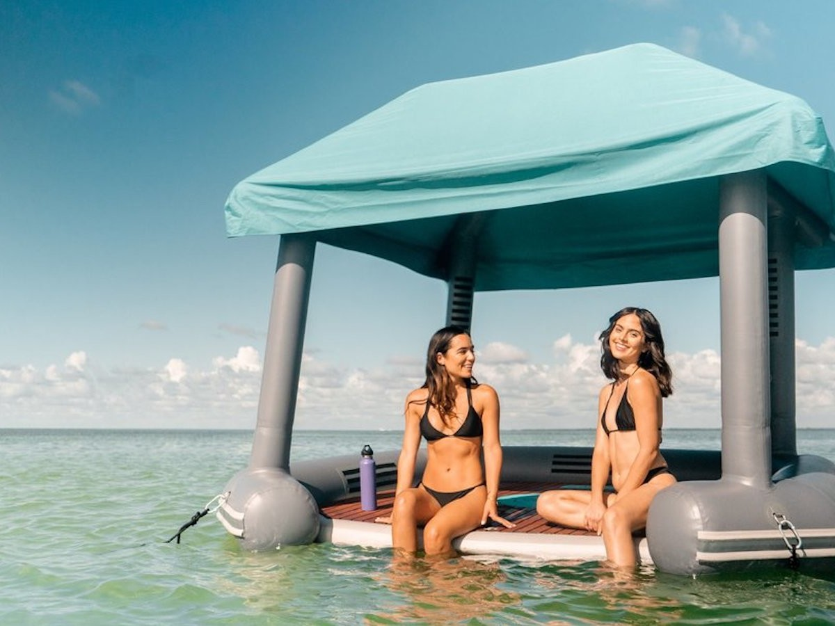 SmithFly Cabana Raft water float holds four adults