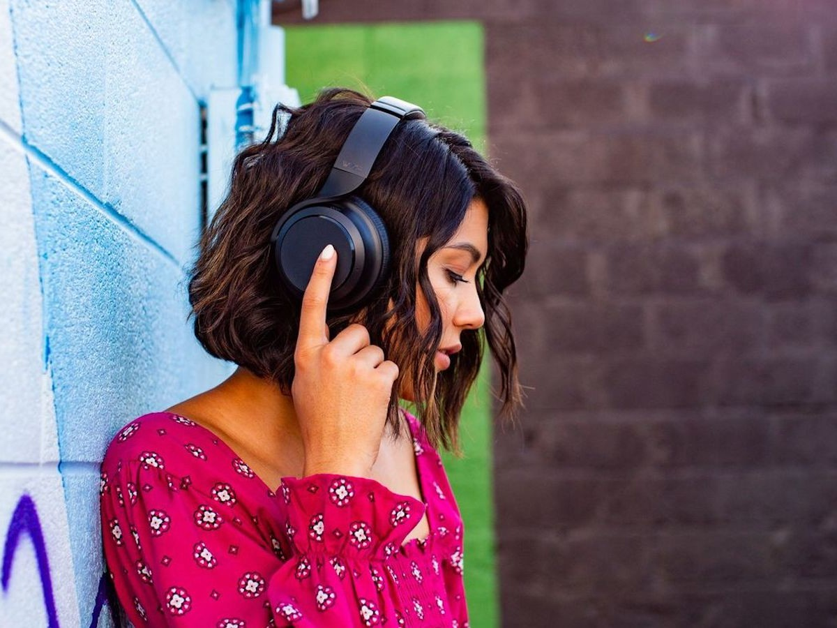 Wyze Headphones have a hybrid active-noise cancelation