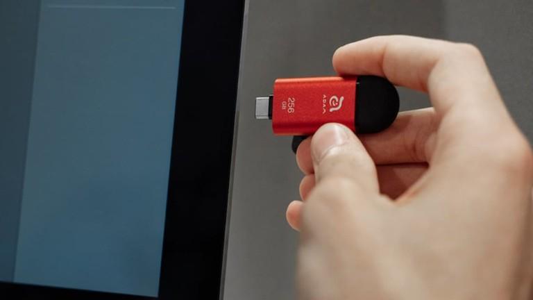 iKlips C iPhone & iPad Pro Flash Drive