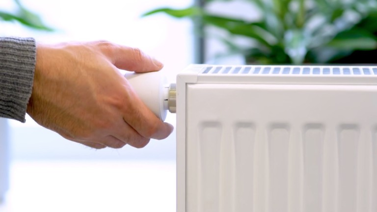 tado° Smart Radiator Thermostat V3+ home heating system can be controlled via your phone