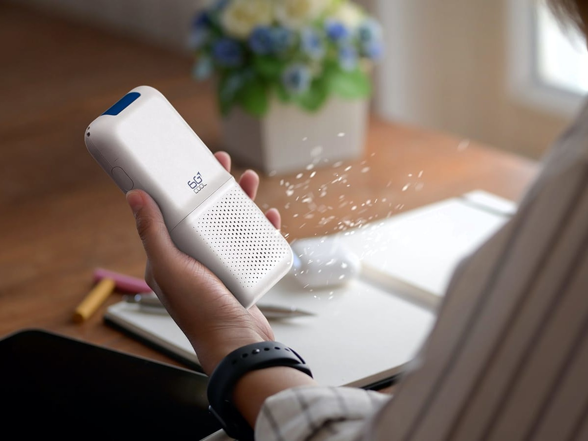 6GCool tiny high-tech air purifier offers pocket-size protection against 99% of pollutants